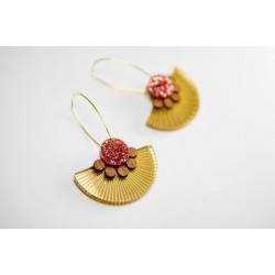 Plexiglas-wood earrings /...