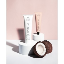 Exfoliating care for face and lips